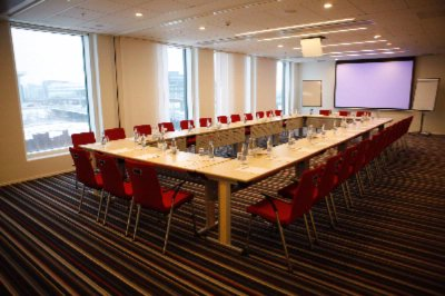 Bright Spacious And Ultra-Modern Meeting Facilities 8 of 12