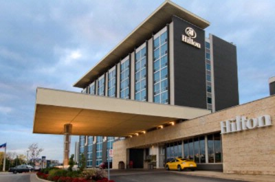 Hilton Toronto Airport Hotel & Suites 1 of 11