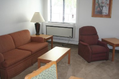 Living Room With Pull Out Sleeper/sofa Extended Cable Tv And Complimentary High Speed Internet Access 3 of 10