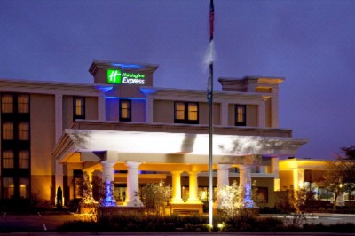 Holiday Inn Express Nw Park 100 1 of 16