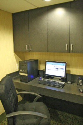 Business Center With Pc Printer And Free Local Fax 15 of 16