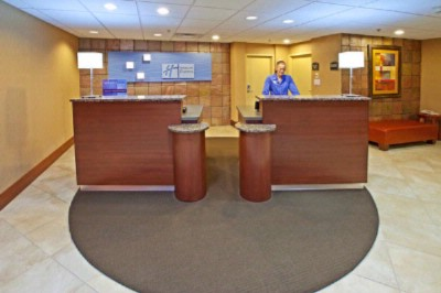 Helpful Front Desk Associates Available 24/7 3 of 16