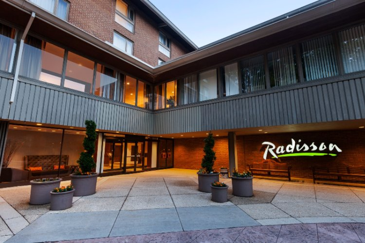 Radisson Hotel at Cross Keys 1 of 20