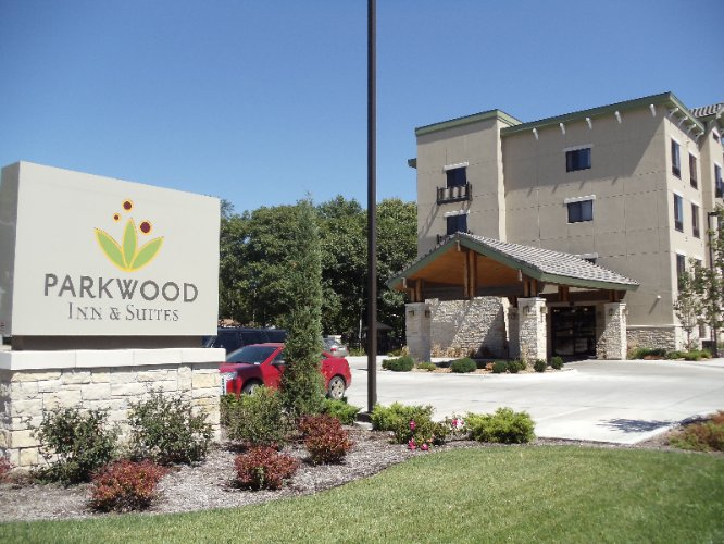 Parkwood Inn & Suites 1 of 29