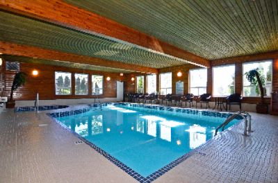 Indoor Pool & Hot Tub 9 of 11