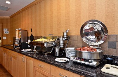 Complimentary Hot Buffet Breakfast 10 of 11