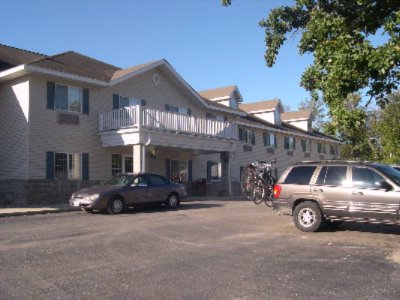 Image of Country Trails Inn & Suites