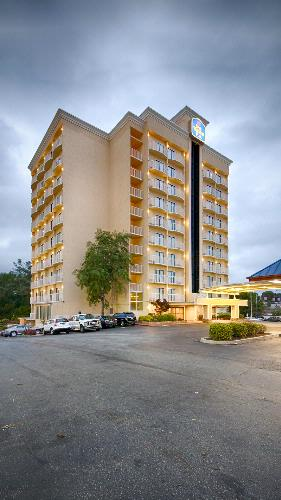 Best Western Plus Atlanta Airport East 1 of 14