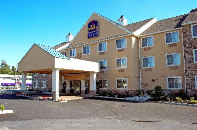 Lebanon Valley Inn & Suites 1 of 10