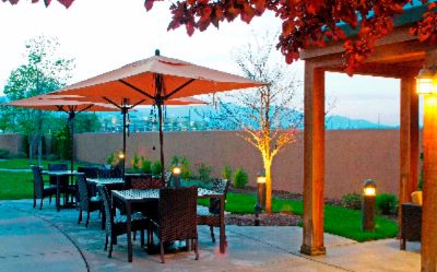 Outdoor Patio Dining 8 of 11