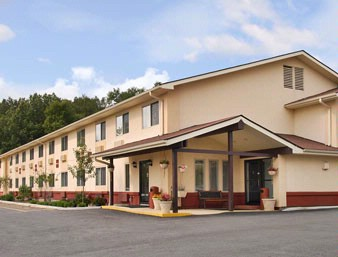 Super 8 Hotel Newburgh 1 of 7