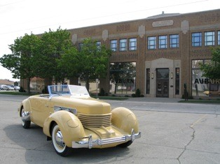 Auburn Cord Duesenberg Automobile Museum With Over 125 Collector Cars On Display Less Than 2 Miles Away! 7 of 27