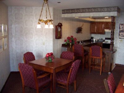 Presidential Suite Kitchen And Dinning Area 10 of 27
