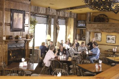 Enjoy Southwest Hospitality At Its Best With Good Time Charly\'s Bar & Grill Located On The Premises. Serving Breakfast Lunch & Dinner Relax And Catch The Game On One Of Our Tv\'s Or Relax On The Patio And Enjoy The Entertainment In July & August. 8 of 11