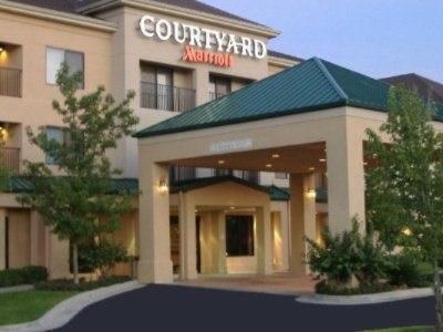 Courtyard by Marriott Houston North 1 of 14