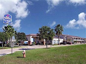 Americas Best Value Inn & Suites Laporte / Houston 1 of 7