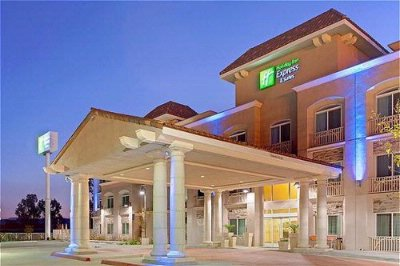 Holiday Inn Express Banning Entrance