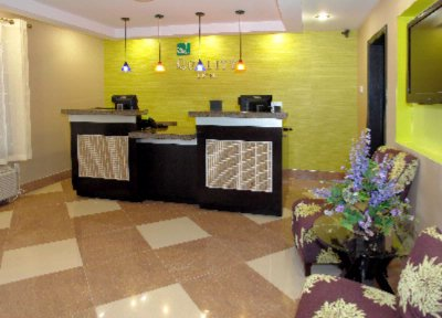 Lobby/front Desk 10 of 14