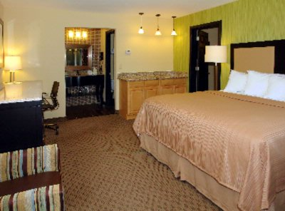 Family Suite With Two Full Baths And 2 King Beds 8 of 14