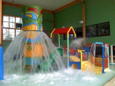 Mackinaw City\'s Largest Indoor Water Park! 4 of 13