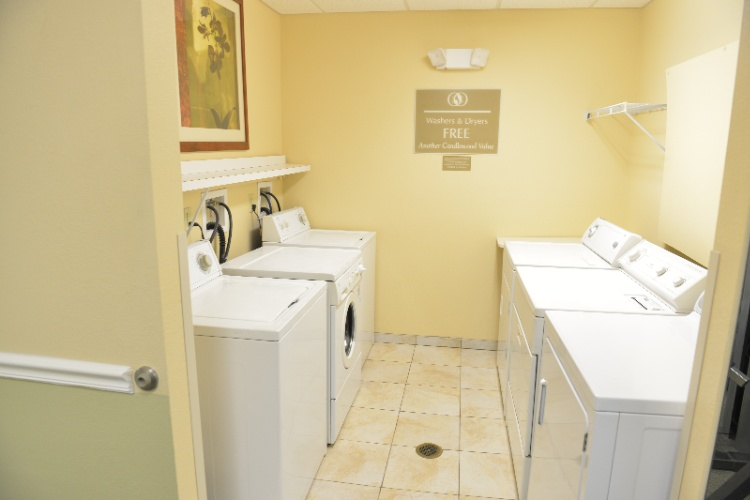 Complimentary Guest Laundry Facilities 8 of 10