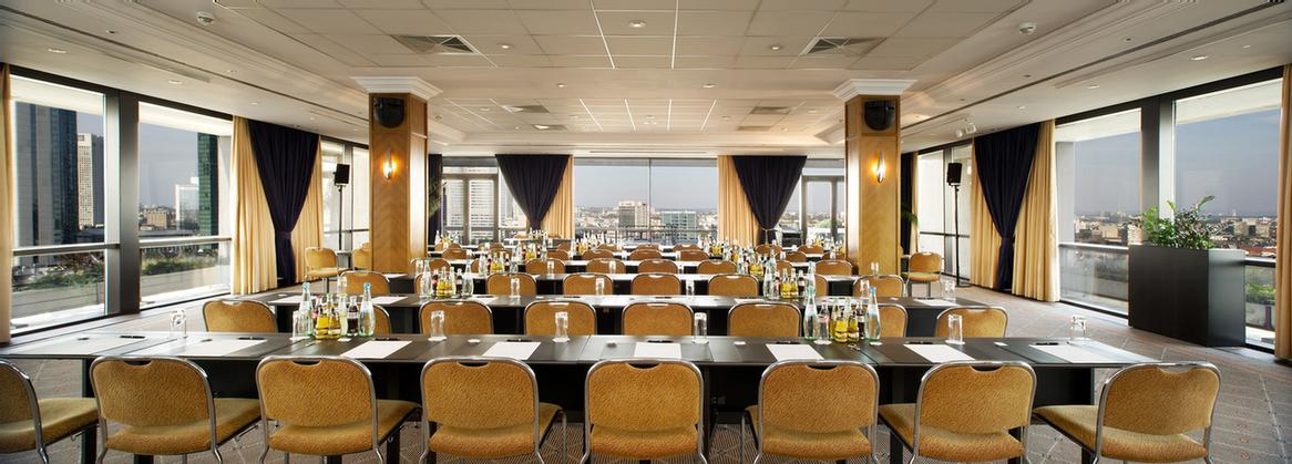 Salon Silhouette On The 21st Floor With Panoramic Views 3 of 15