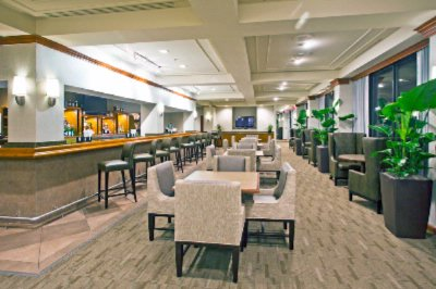 Lounge -Crowne Plaza Miami Airport Hotel 14 of 22