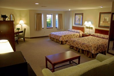 Our Luxerious Deluxe Suite! 3 of 8
