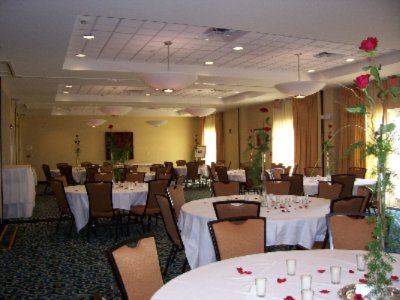Banquet Room 5 of 11