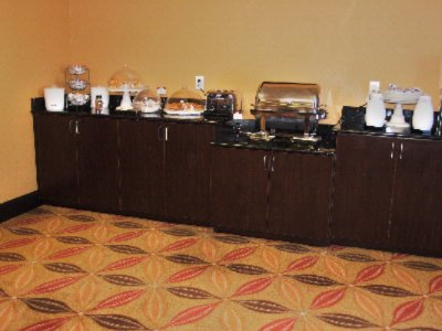 Breakfast Bar Daily 6:00am-10:00am 8 of 26