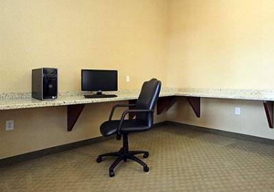 Business Center With High-Speed Internet Access 16 of 16