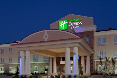 Holiday Inn Express & Suites Winona Ms 2 of 10