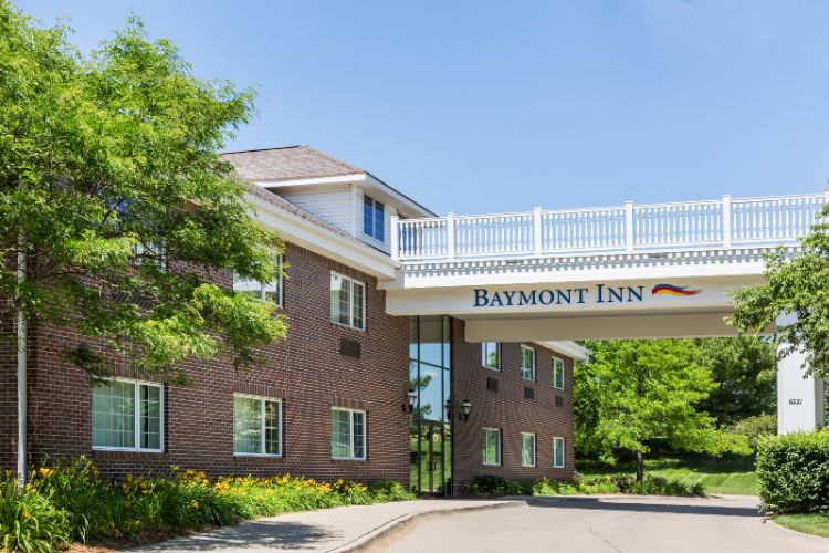 Baymont Inn & Suites Des Moines Airport 1 of 28