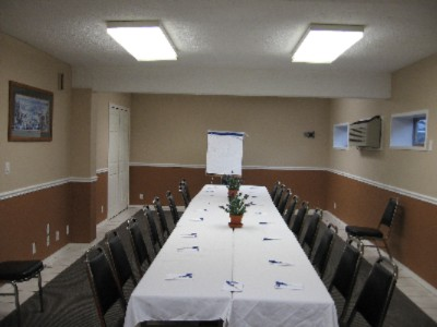 Meeting Room Available And Sits Up To 40 Guests. 7 of 9