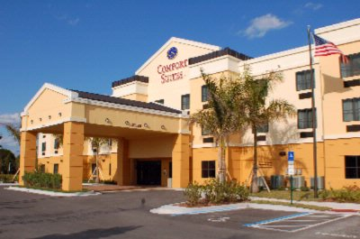 Comfort Suites Vero Beach 1 of 17