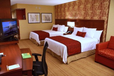 The Double Queen Guestrooms Are Bery Plush And Great For Families. 10 of 11