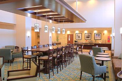 Lobby/lounge 4 of 8