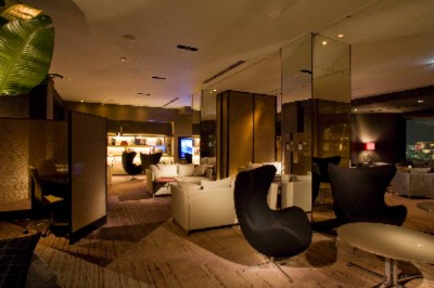 Club Lounge 4 of 5