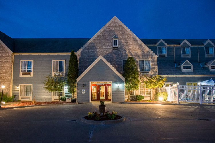 Baymont Inn & Suites of Mequon 1 of 5