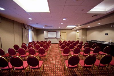 Meeting Facility 800sqft 75pp Theater Style 12 of 21