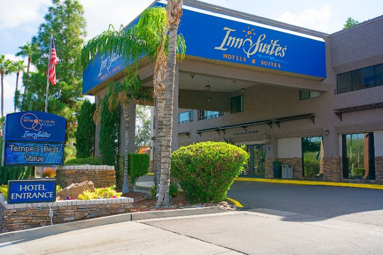Hotel Tempe / Phoenix Airport Innsuites at the Mall 1 of 11