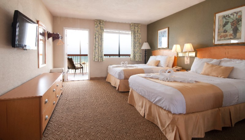 Dbl Queen Oceanfront Room 9 of 29