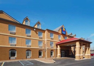 Comfort Inn & Suites Airport / Expo 1 of 19