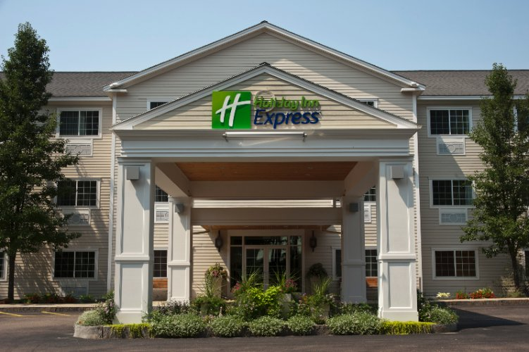 Holiday Inn Express Hotel & Suites 1 of 10