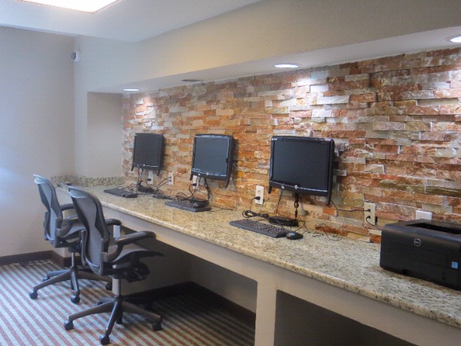 Business Center 4 of 17