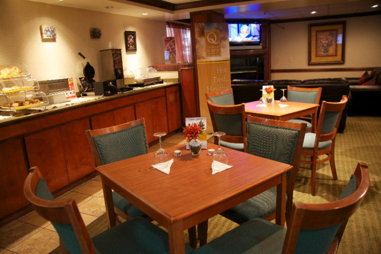 Come Enjoy Your Breakfast In Our Spacious Dining Room. 4 of 13