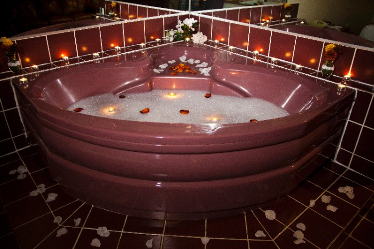 King Jacuzzi Room 10 of 13