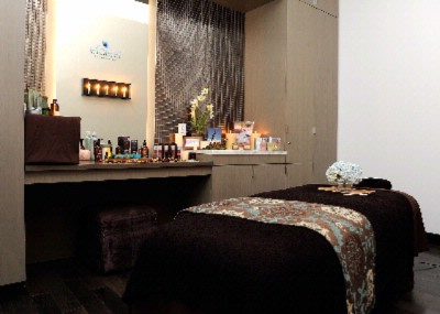 Spa Treatment Room 14 of 17
