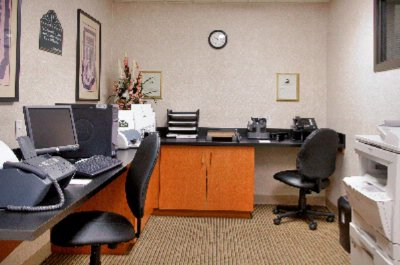 24 Hour Complimentary Business Center 3 of 10