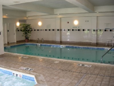 Indoor Pool & Whirpool 8 of 11